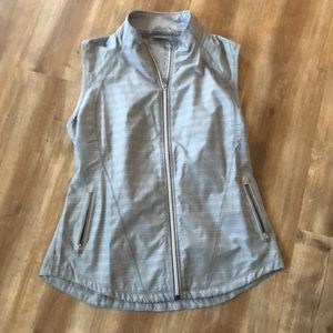 Athleta light weight running vest M